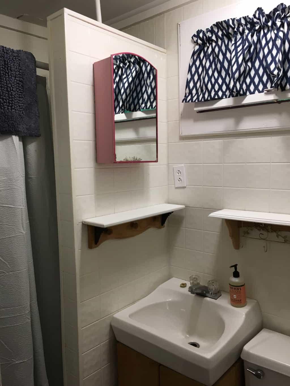 Cabin 2-bathroom