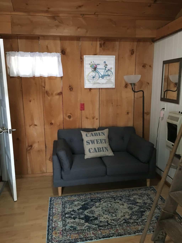 Cabin 2 - living room