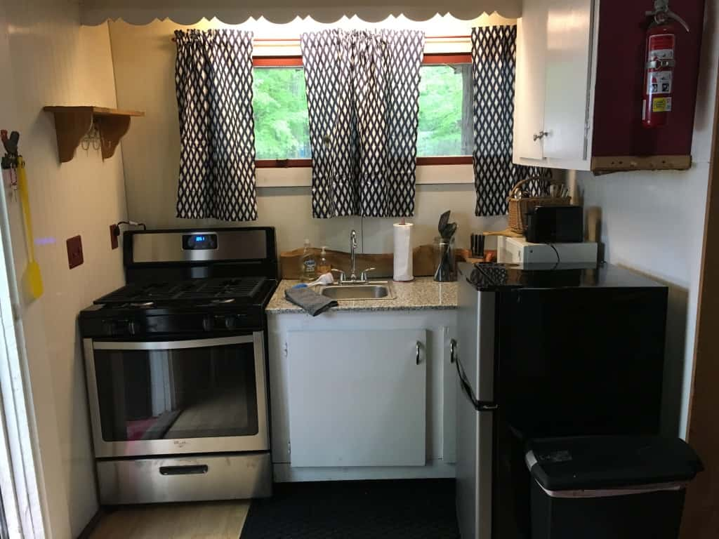 Kitchen - cabin 2